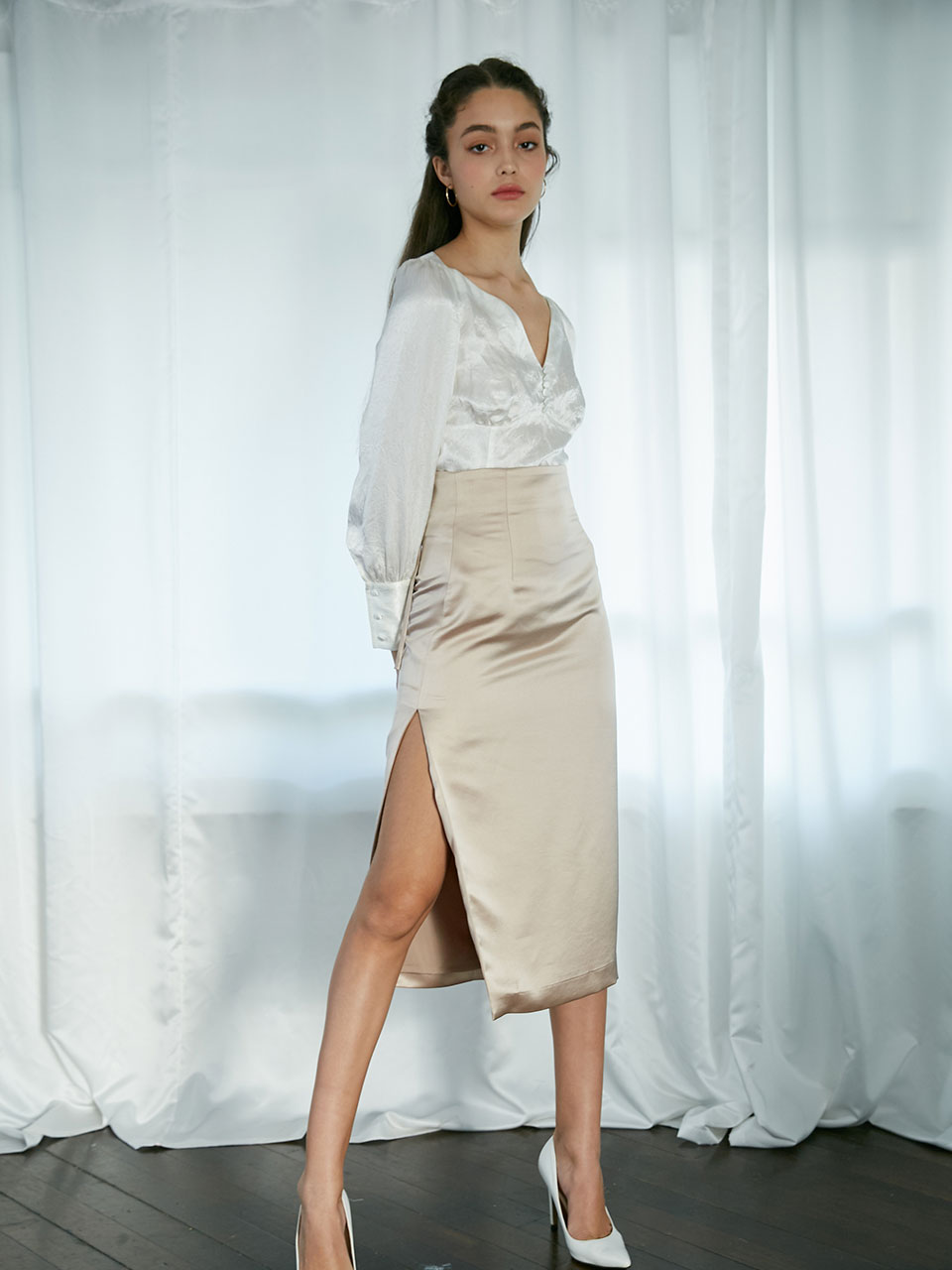 [11월27일 예약배송]19Fall Corset slit skirt (Beige)