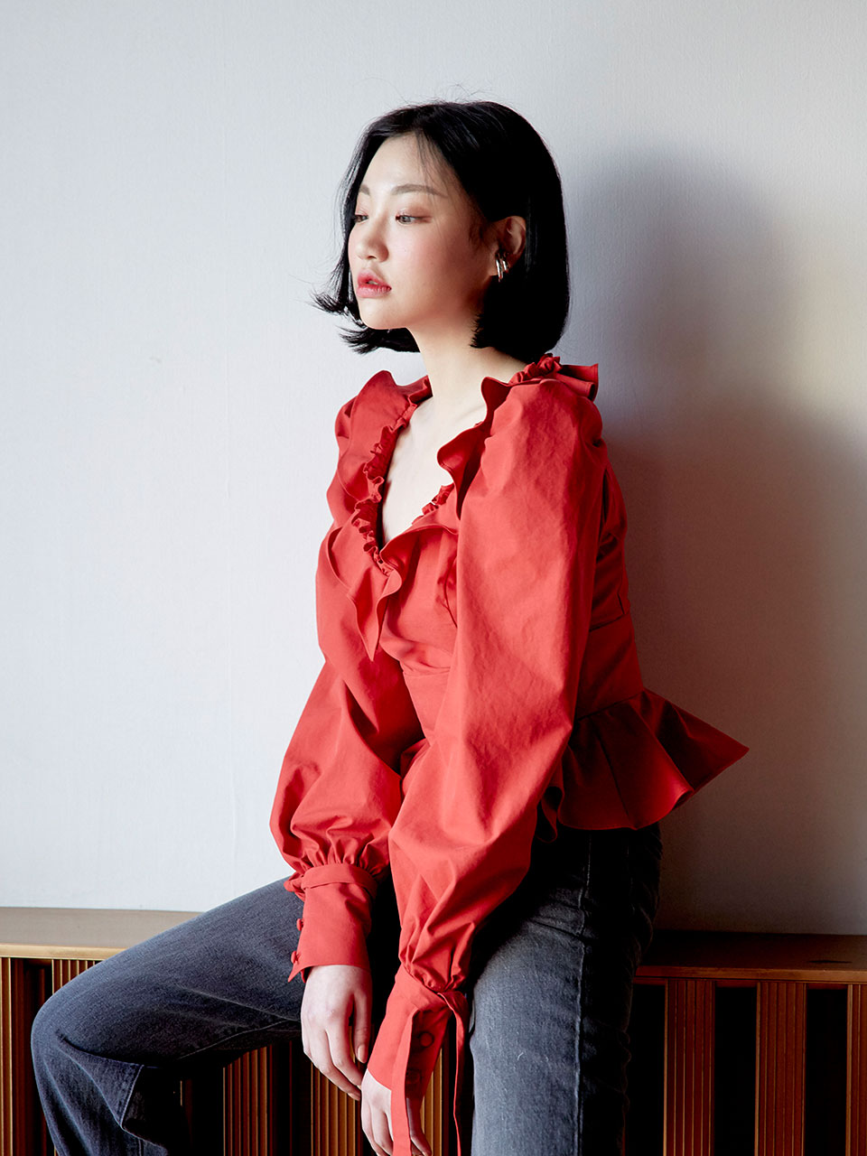 19SS V-neck peplum blouse (Red)