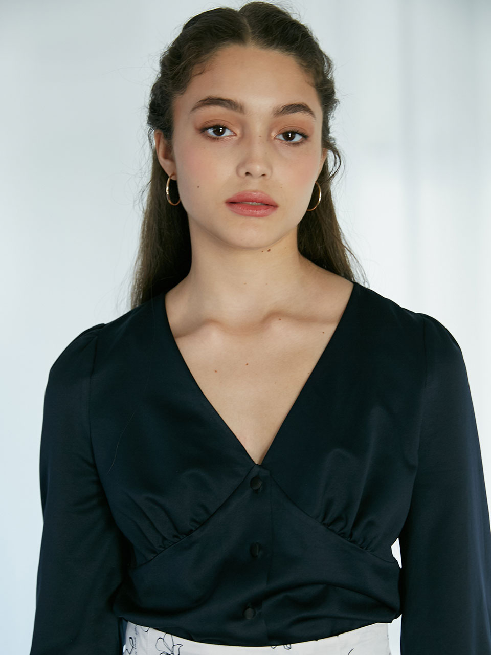 19Fall V-neck puff blouse (Dark navy)