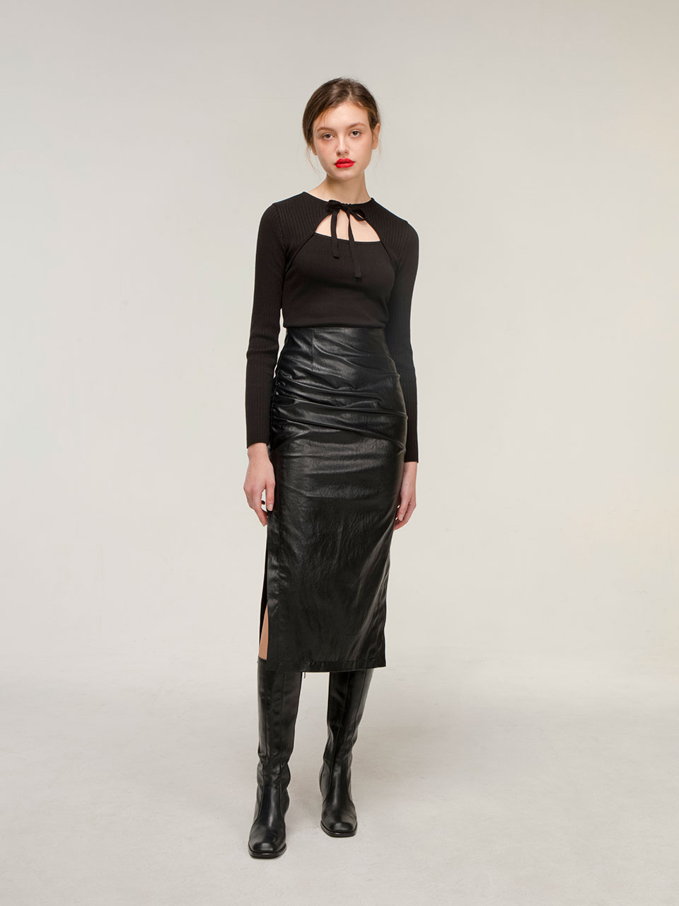 Drape leather skirt (black)